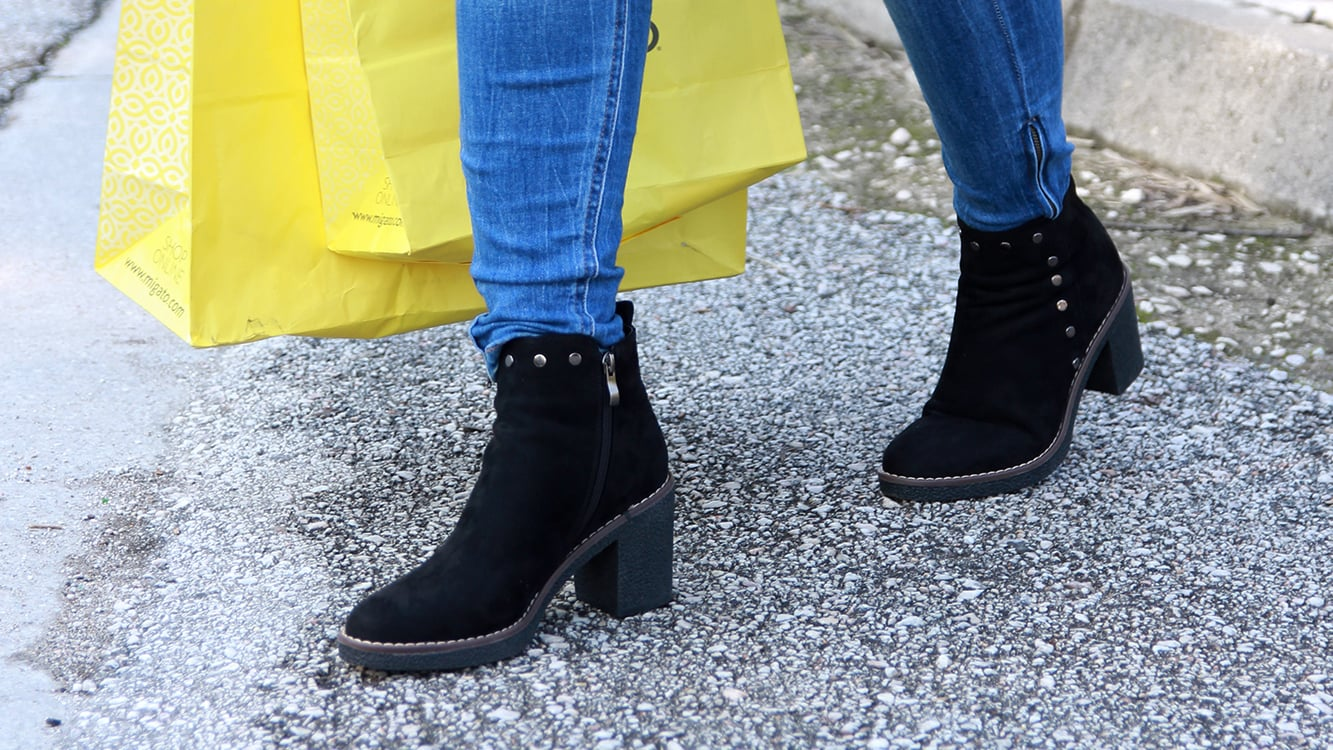 7 Essential Pieces To Buy During Sales