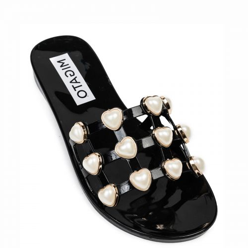 Black flip flop with pearls