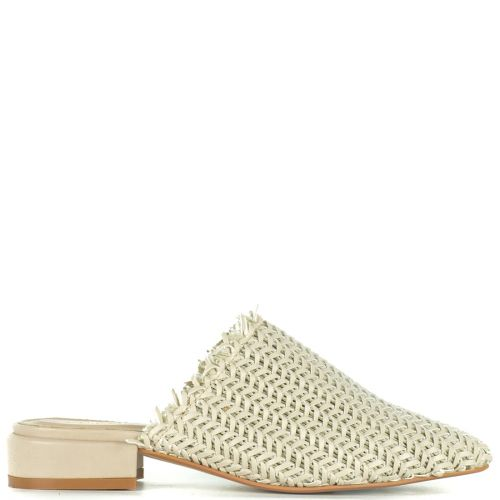 Nude knitted pointy mule