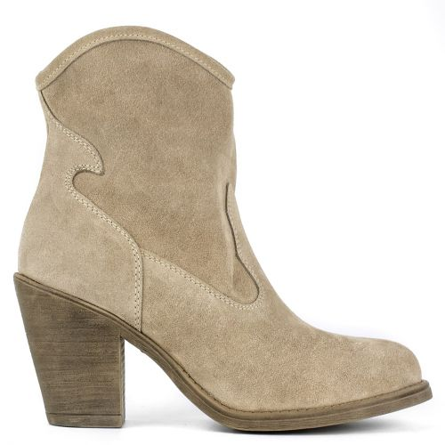 Taupe leather western boot