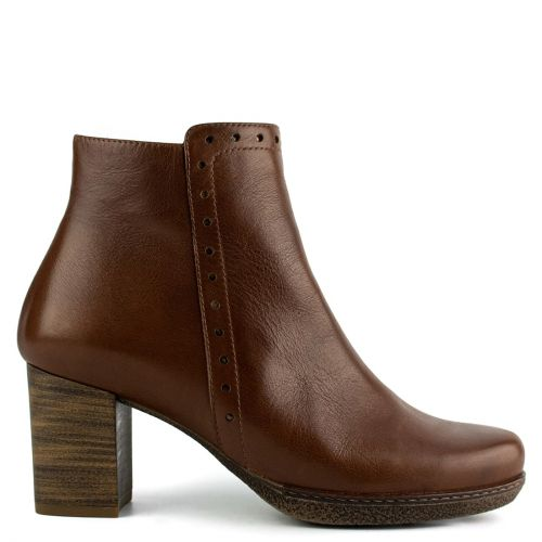 Tabacco leather low cut bootie