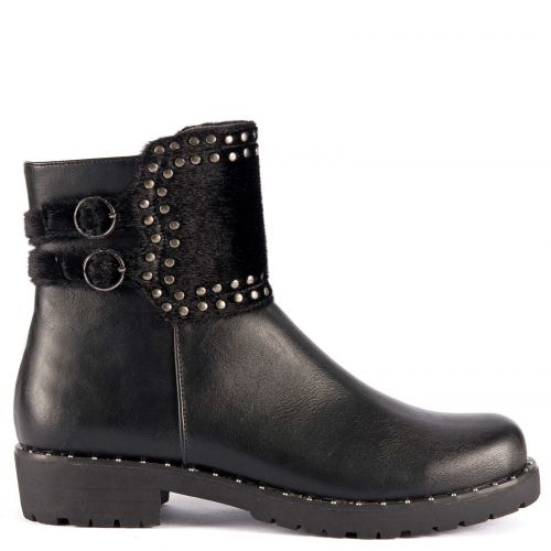 Black low cut bootie with studs