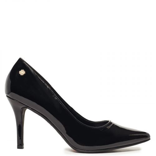 Pointy pump in black patent
