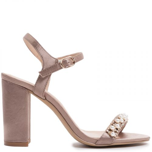 Taupe sandal with pearls