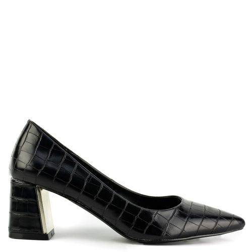 Black pump in croc pattern