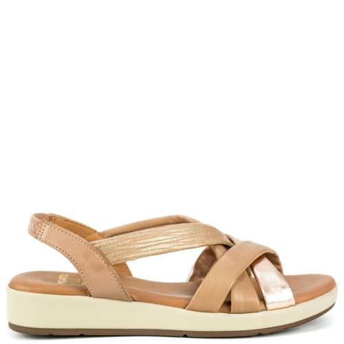 Nude leather sandal with crossed straps