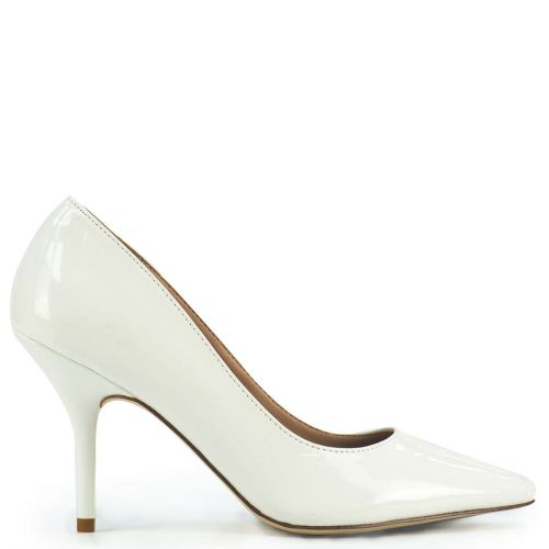 Pointy pump in white patent