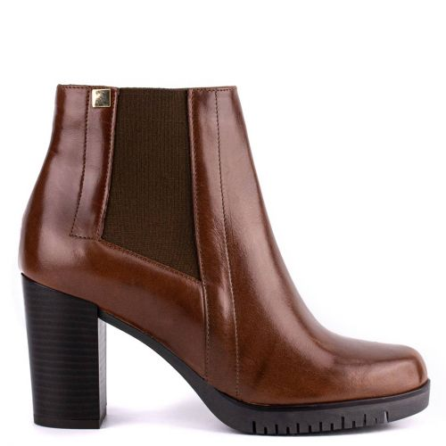 Tobacco leather low cut bootie