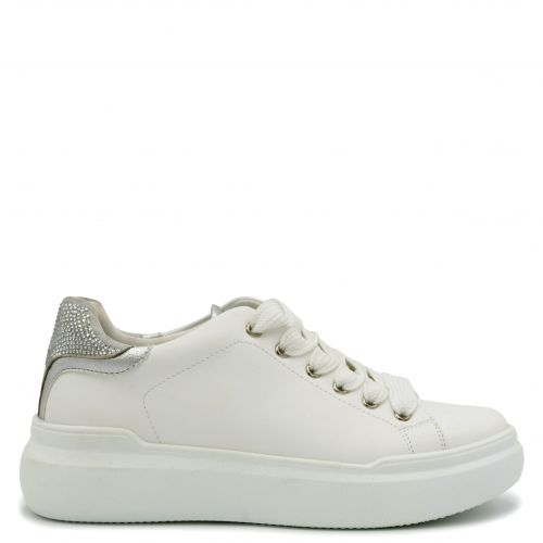 White chunky sole sneaker