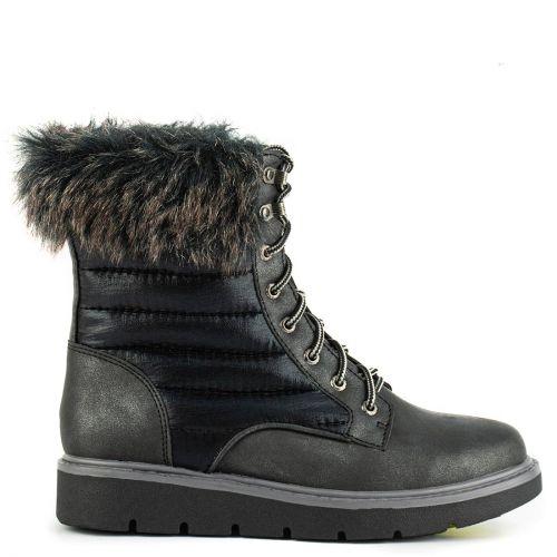 Black arhiking boot with fur