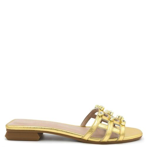 Gold sandal with pearls