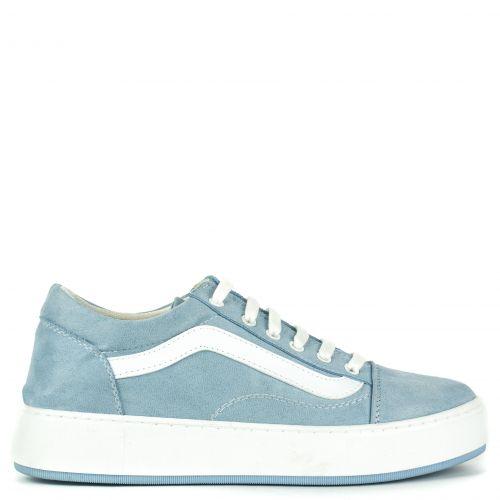 Ligh blue suede sneaker