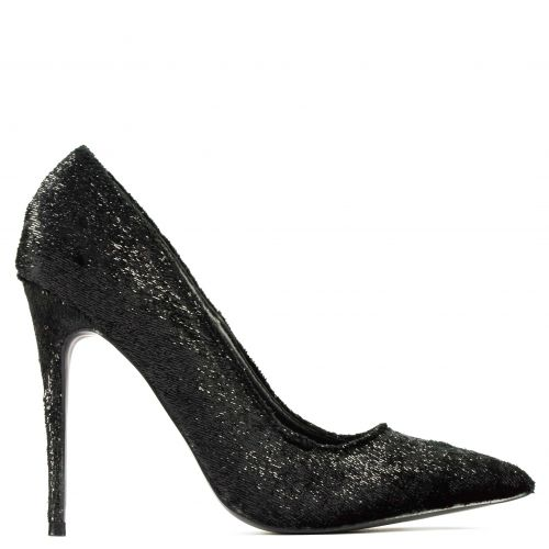 Black velvet pointy pump