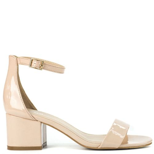 Nude sandal in patent