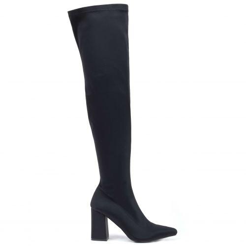 Μαύρη σατέν μπότα πάνω από το γόνατο