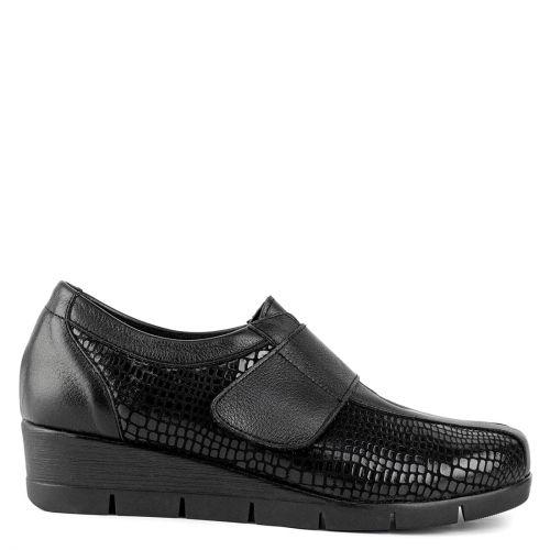 Black leather mocassin