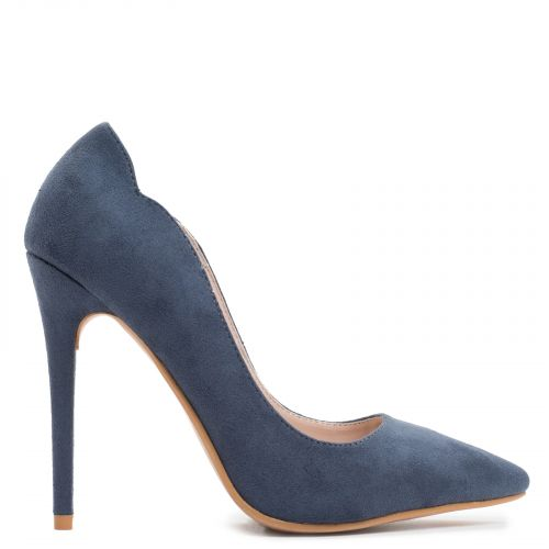 Pointy pump in dark blue