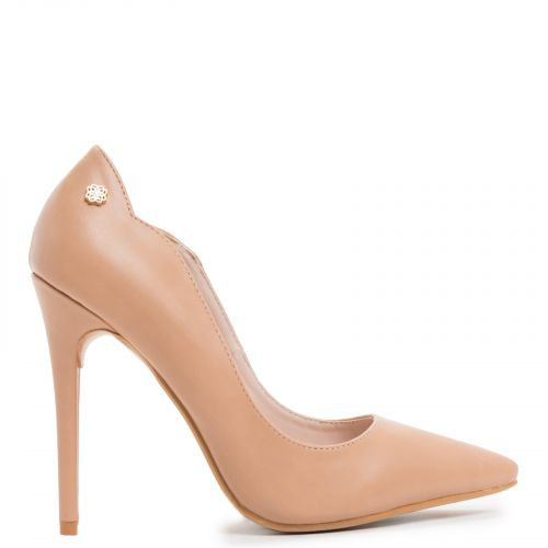 Pointy pump in camel