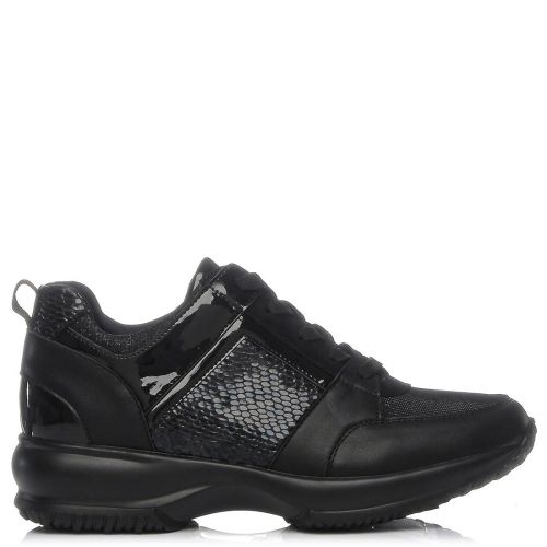 Μαύρο αθλητικό παπούτσι