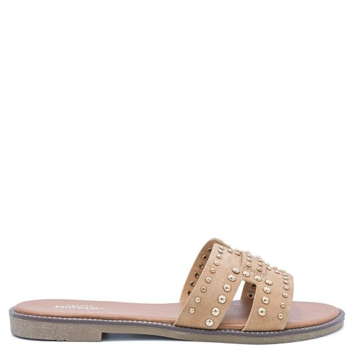 Beige sandal with studs