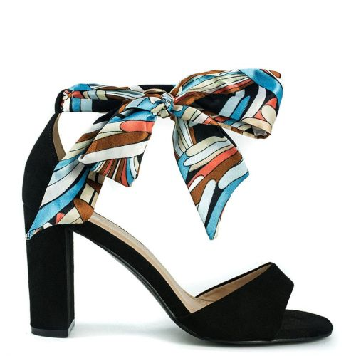 Black suede sandal with ribbon