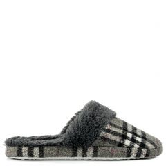 Grey plaid slipper