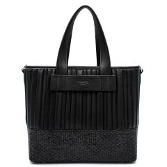 Black shoulder bag with pleats