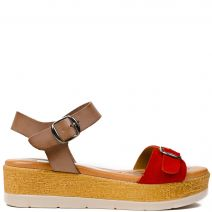 Red leather flatform with buckle