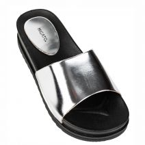 Women's silver beach slipper with band