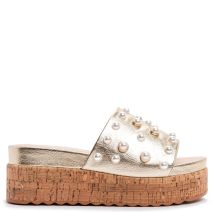Gold platform with pearls