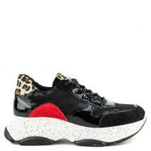 Black sneaker in patent