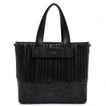 Μαύρη τσάντα ώμου με πιέτες