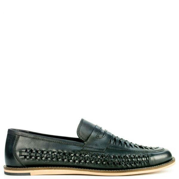 Δερμάτινο μαύρο παπούτσι με πλεκτό σχέδιο