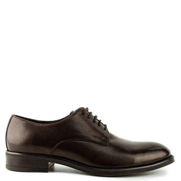 Ανδρικό καφέ δερμάτινο παπούτσι τύπου derby