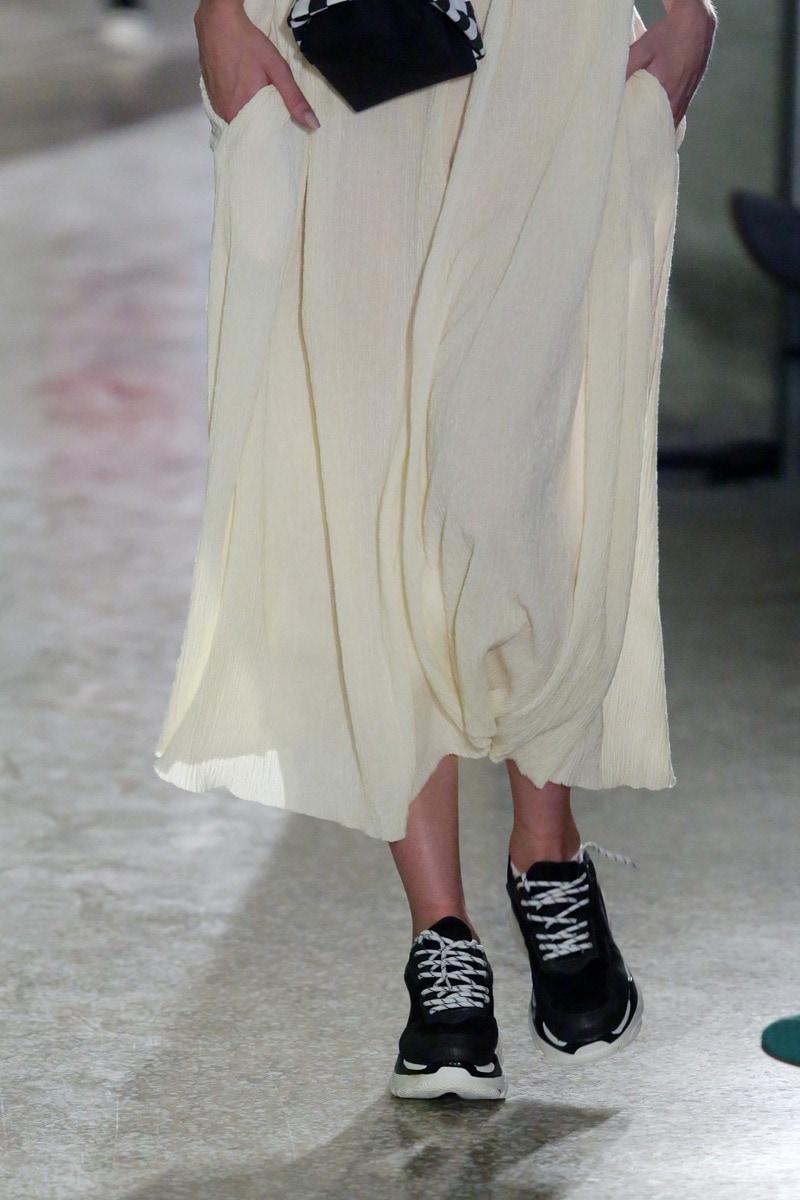Black sneaker with white platform BS0201-L14